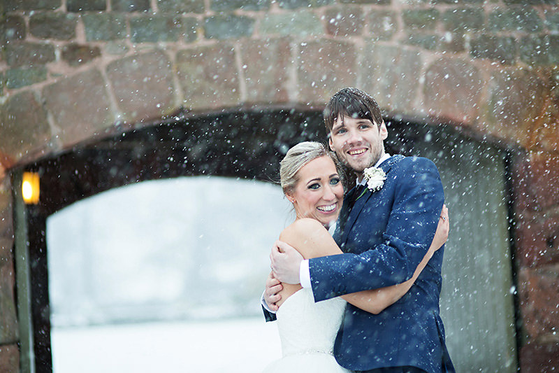 Snowy Wedding Photography