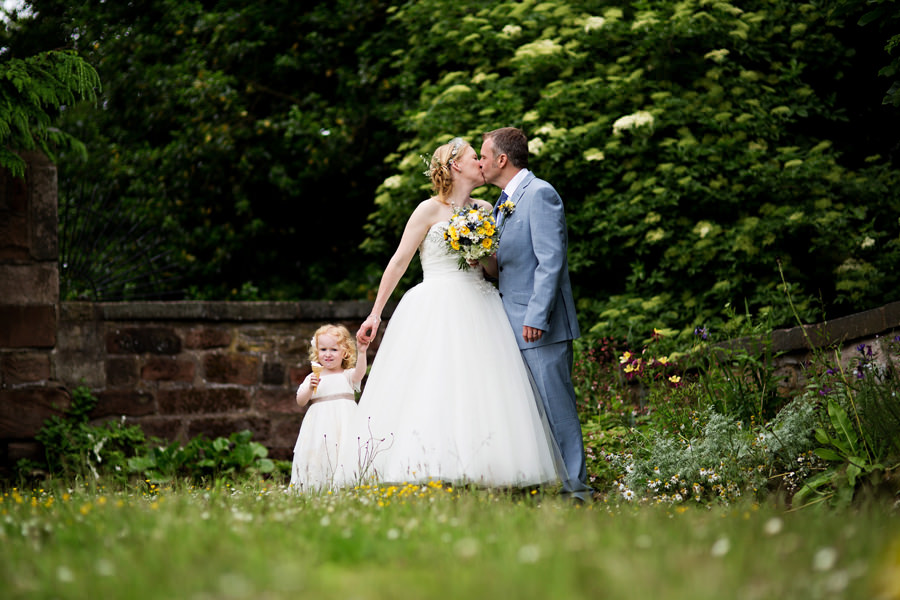 WeddingPhotographerLeek167