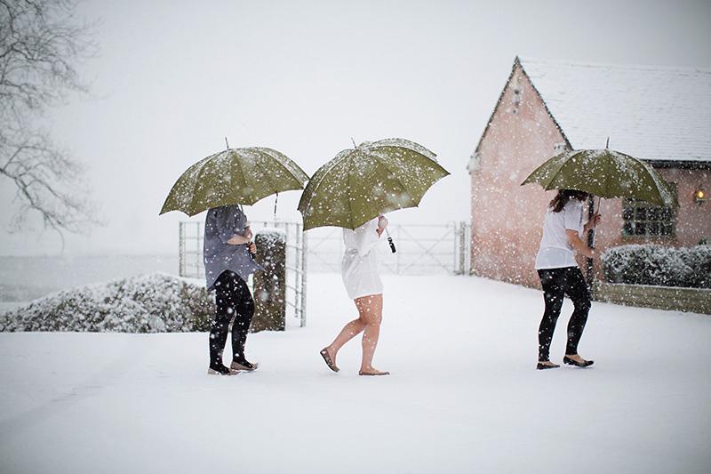 Snowy Wedding Ashes