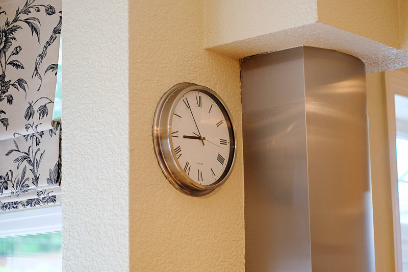 groom prep clock