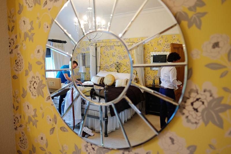 groom prep mirror