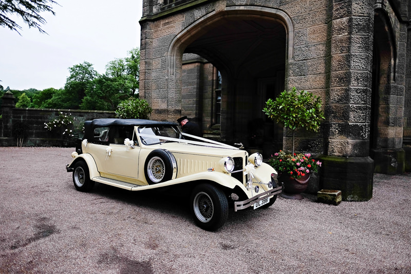 Bride arrival at the heath house