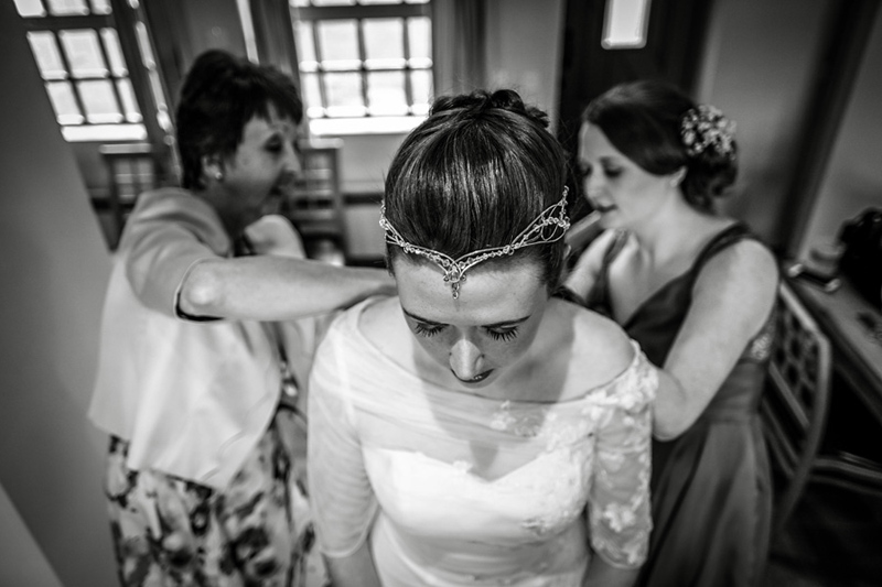 bridal prep in the old dairy at the ashes