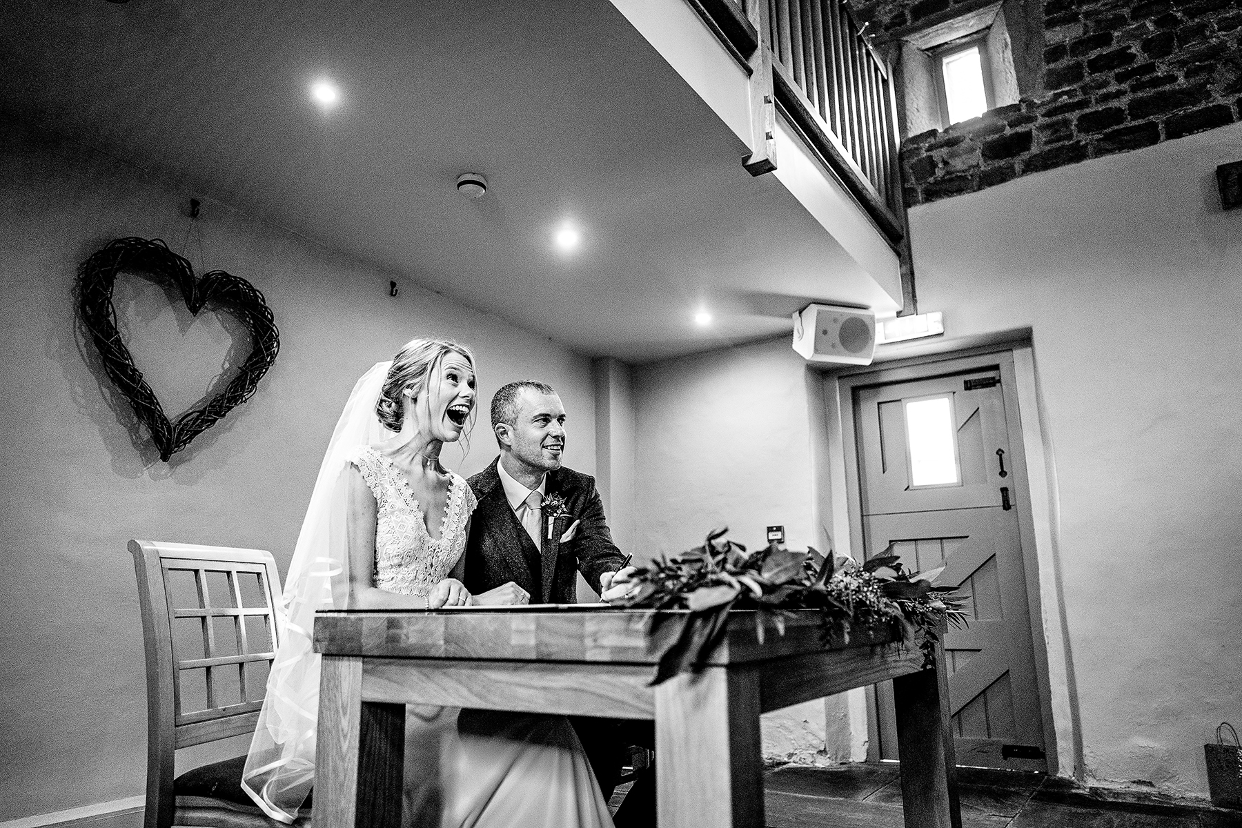 wedding photography of the signing of the register
