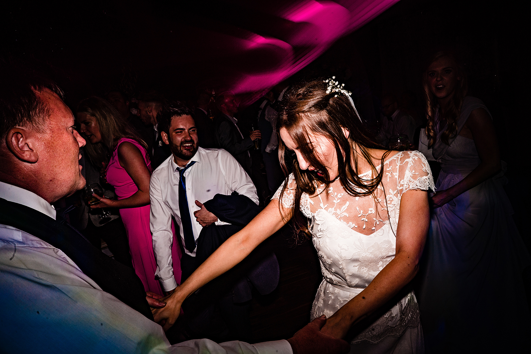bride dancing on the dancefloor